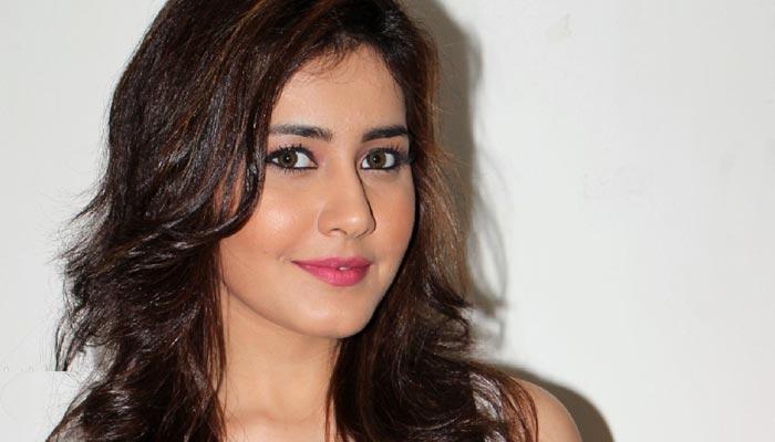 Raashi Khanna Gets Lucky