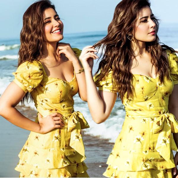 Raashi Khanna Slim Look