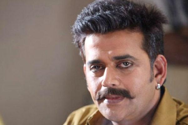 Ravi Kishan Police Complaint