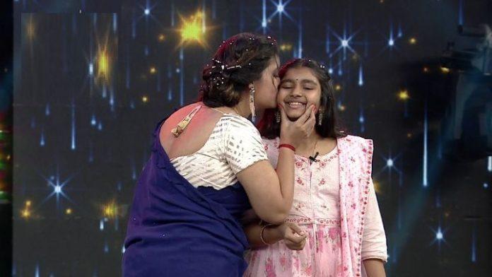 Renu Desai with Aadya