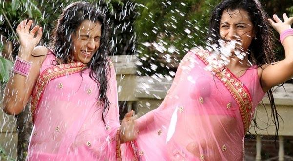 Trisha Upped Her Glamour In Kalavathi