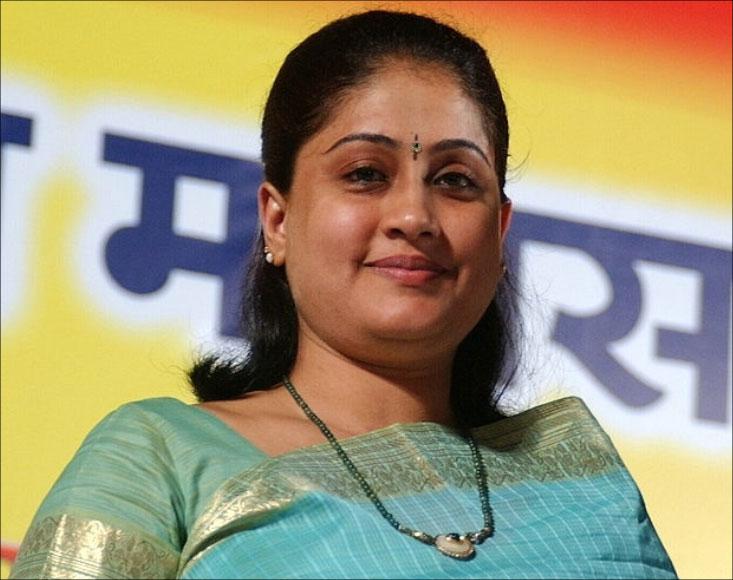 Vijayashanthi's Role in Sarileru Neekevvaru Revealed