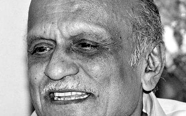 Writer Scholar MM Kalburgi Shot Dead