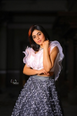 Poorna Latest Pics - 7 of 8