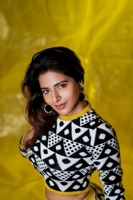 Iswarya Menon Photos - 3 of 4