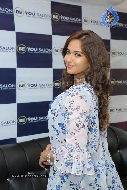 Pujitha Ponnada Inaugurates BeYou Salon - 8 / 18 photos