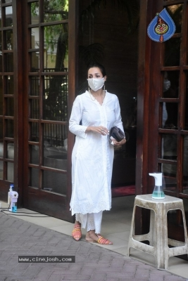 Malaika Arora Spotted at her House - 3 of 11