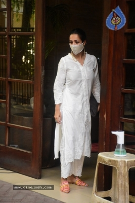 Malaika Arora Spotted at her House - 5 of 11