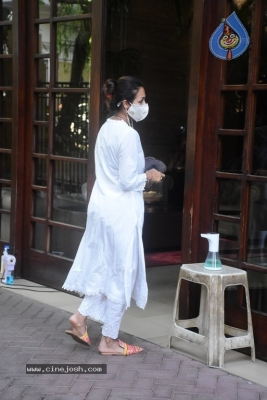 Malaika Arora Spotted at her House - 6 of 11