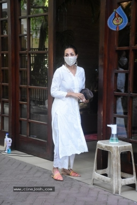 Malaika Arora Spotted at her House - 10 of 11