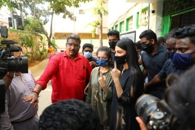 Celebrities casting vote in TN Elections - 12 of 35