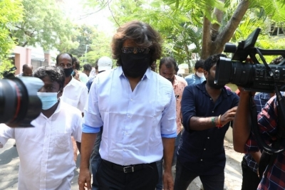 Celebrities casting vote in TN Elections - 14 of 35
