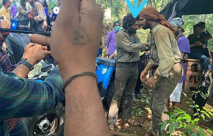 allu arjun,pushpa,rustic look,sukumar  పుష్పరాజ్ విలనా? హీరోనా?