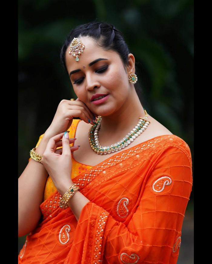 anasuya bharadwaj,anasuya bharadwaj photos,anasuya bharadwaj festive look  దసరా పండగ మొత్తం అనసూయ దగ్గరే
