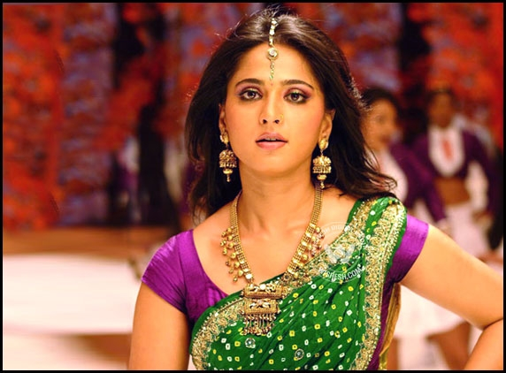 anushka,bhagmati movie,bhagamathi movie concept,producer,director  షాకిస్తున్న భాగమతి కాన్సెప్ట్!
