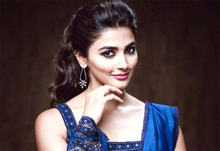 pooja hegde,aravinda sametha,dubbing,movies,shooting  పూజా కోసం 'అరవింద' టీమ్ ఏం చేసిందంటే?