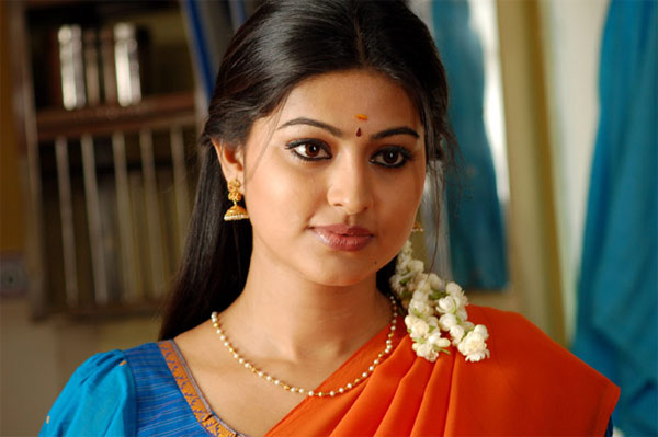 aunties,heroines,bollywood heroines,marriage after heroines,sneha,aishwarya rai  ఇక్కడ ఆంటీలు..అక్కడ హీరోయిన్లు..!
