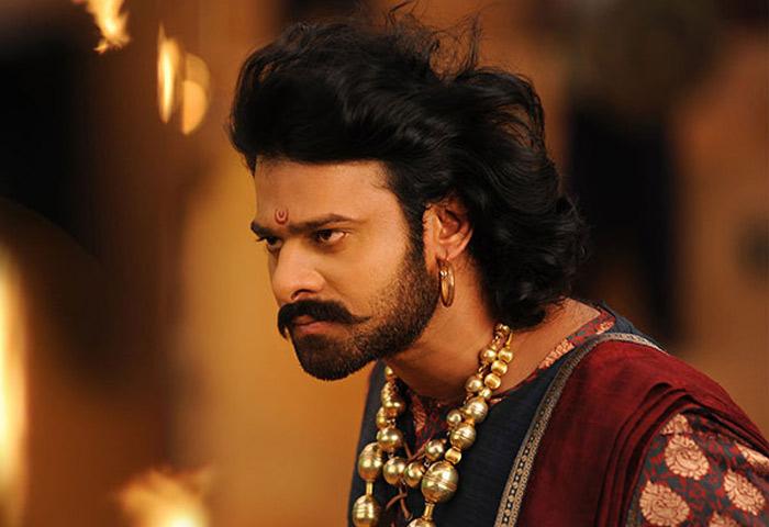 baahubali,bollywood heroes,akshay kumar,shahrukh khan,ranvir singh,baaahubali 2,praise  'బాహుబలి'పై ఇప్పుడిప్పుడే స్పందిస్తున్నారు!
