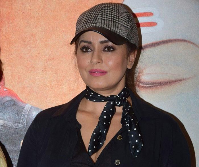 mahima chaudhary,bollywood,heroine,latest,interview  చిరు, చెర్రీ ఇద్దరూ రొమాంటిక్ హీరోలే : హీరోయిన్