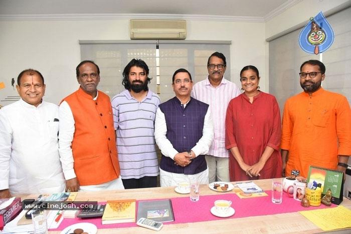 ashwini dutt,pm modi,meet,central minister  అశ్వినీదత్తో కేంద్రమంత్రి చర్చలు