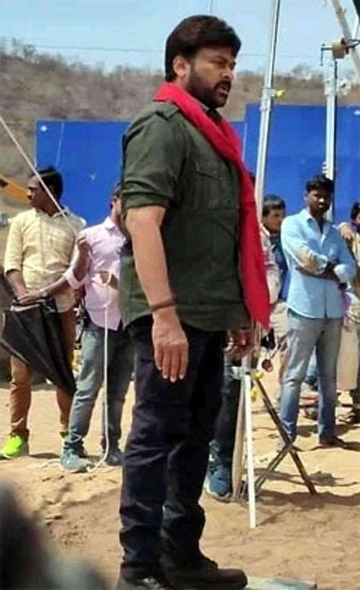 chiranjeevi,koratala siva,new movie,acharya,look leak  కొరటాల మూవీలో చిరు లుక్ లీక్.. ఫ్యాన్స్ ఫిదా!