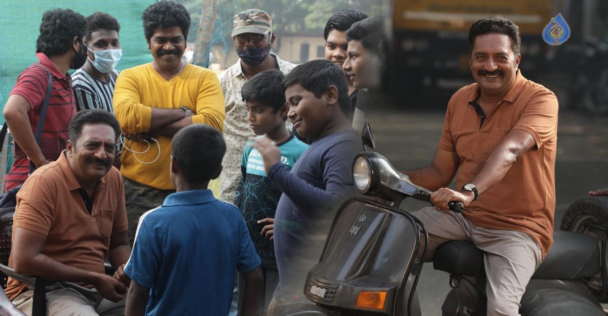 clap movie,clap movie resumes shooting,aadi pinisetti,prakash raj,  ఆది పినిశెట్టి 'క్లాప్' మళ్ళీ కొట్టారు!