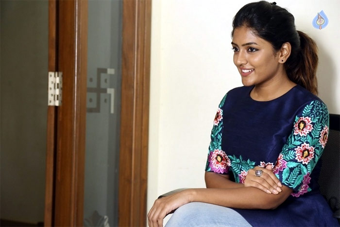 darshakudu,eesha,eesha talks about darshakudu movie,darshakudu movie heroine,eesha actress interview  హద్దులు దాటని గ్లామరైతే ఓకే: 'దర్శకుడు' ఈషా