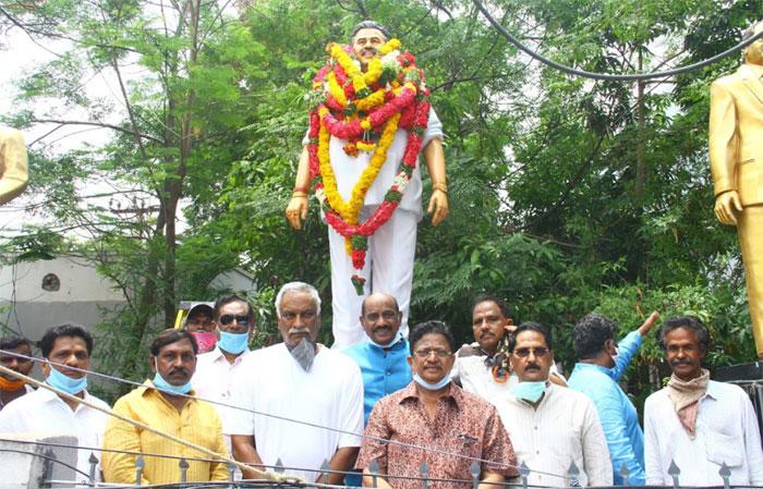 dasari narayana rao,3rd death anniversary,tummalapalli ramasatyanarayana,tammareddy  3వ వర్ధంతి సందర్భంగా దాసరికి నివాళులు