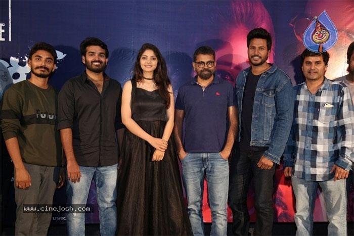 director,sukumar,rajavaru ranigaru,movie,trailer,launch  'రాజావారు రాణిగారు'కి సుక్కు సపోర్ట్