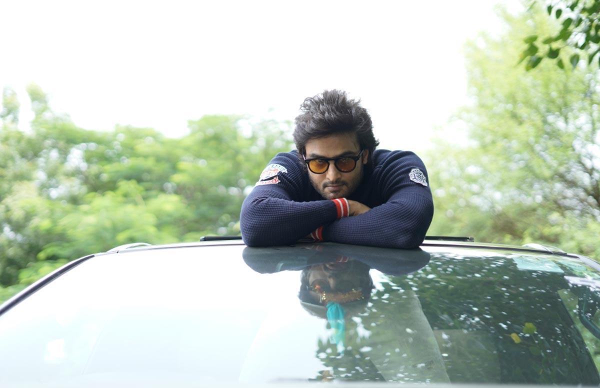 sudheer babu,v movie,interview,chit chat,hero sudheer babu  జస్టిఫికేషన్ ఉండే పాత్ర నాది: సుధీర్ బాబు