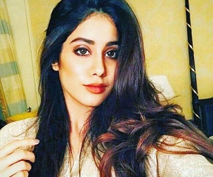 janhvi kapoor,metoo,best thing,sridevi daughter  'మీటూ' నేనో మంచి విషయం చెప్తా: జాన్వీకపూర్!
