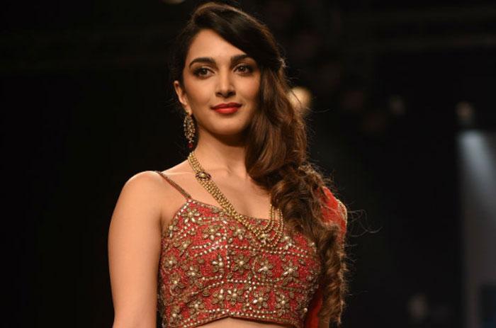 kaira adwani,tamil,star hero,vijay,movie,heroine  ఈ హీరోయిన్కి సుడి మాములుగా లేదు..!