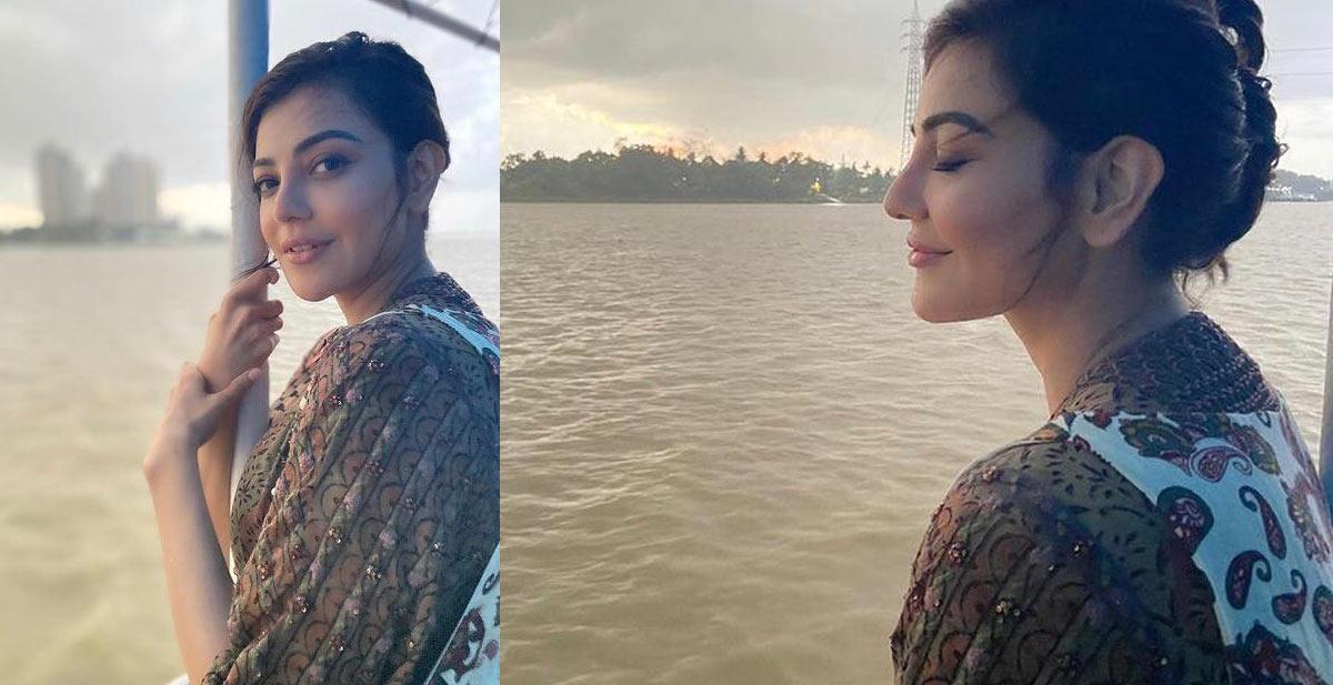 kajal aggarwal,enjoys a boat ride,kolkata,upcoming film uma,kajal uma movie  నేచర్ ని ఎంజాయ్ చేస్తున్న హీరోయిన్