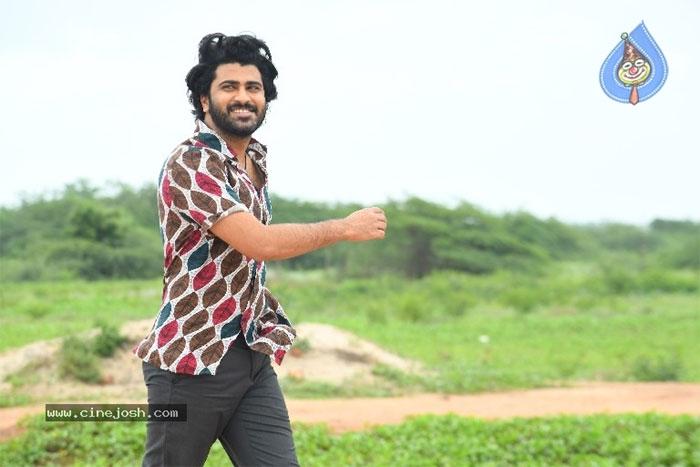 sharwanand,ranarangam movie,kannukotti song,released  'రణరంగం'లోని 'కన్నుకొట్టి' పాట విడుదల