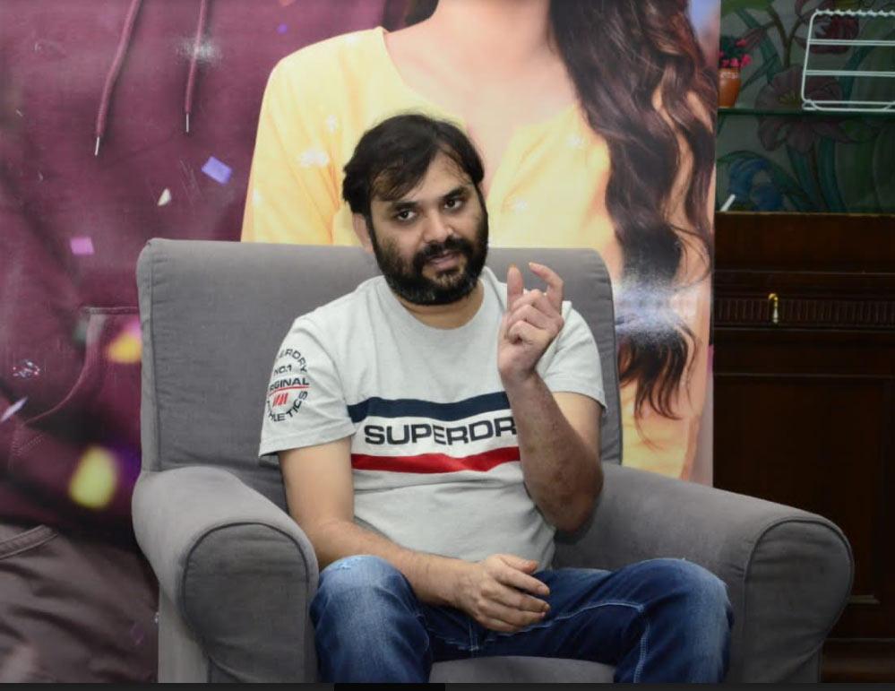 lyricist sreemani,sreemani interview,director venky atluri,team rang de,rang de movie,nithin,keerty suresh  రంగ్ దే కథేమిటంటే..