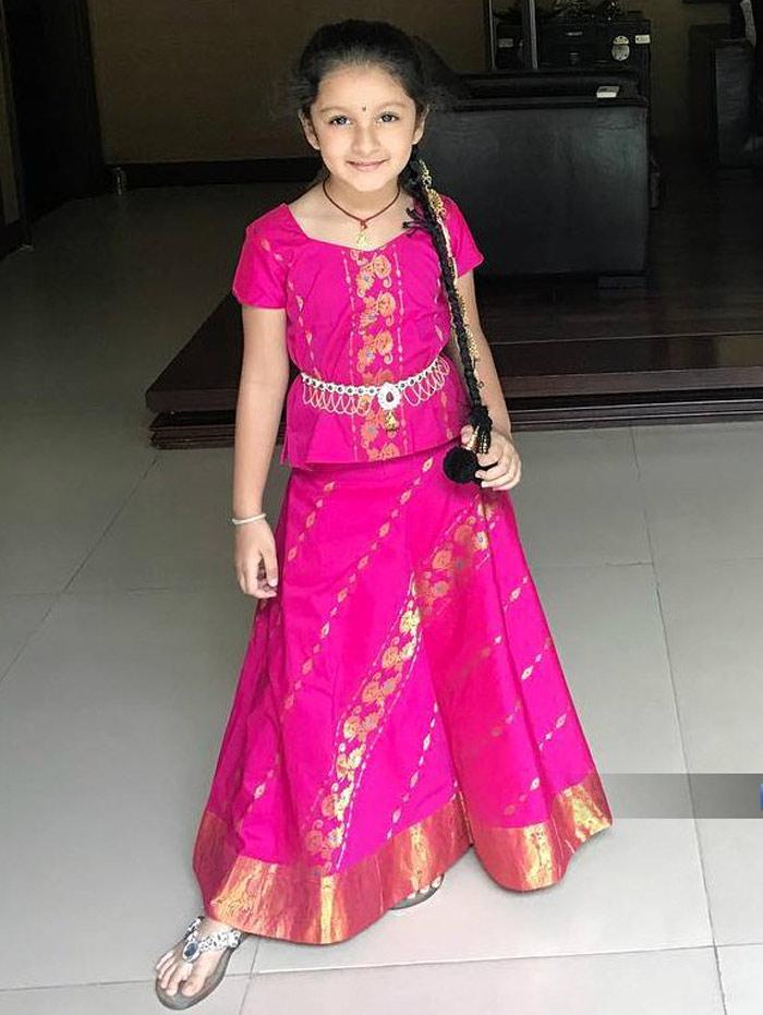 mahesh babu,namratha,sitara,spyder 2 teaser release on sitara birthday  సితార సూపర్గా ఉంది...!