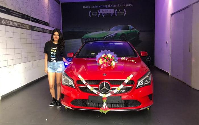 nabha natesh,new,red,luxury car  టాప్ గేర్లో నభా నటేష్