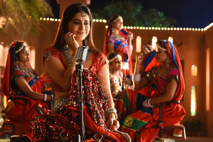 nabha natesh,ismart shankar,dimaak kharaab,song shoot  నభా నటేష్ 'దిమాక్ ఖరాబ్' చేసే లుక్