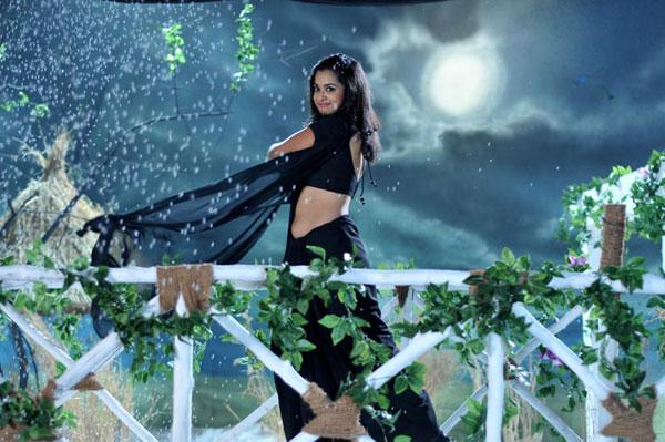 nanditha,naditha in shankarabharanam,nikhil,nanditha,shankarabharanam new movie,  `శంకరాభరణం`లో నందిత