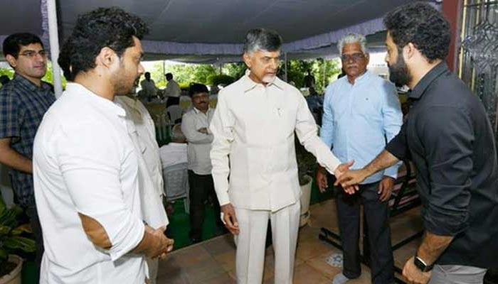 chandrababu,jr ntr,telugudesam,2024 elections  జూనియర్ను కాకా పడుతున్న చంద్రబాబు!?