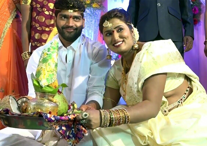 actress swathi naidu,swathi naidu marriage,avinash,divorce,drinker,tollywood,bold actress  పెళ్లి చేసుకొని తప్పు చేశా.. త్వరలో విడిపోతాం!
