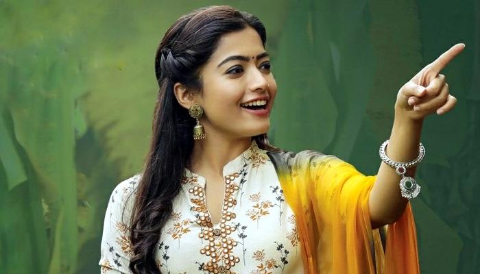 actress rashmika,rashmika mandanna,geetha govindam,naga chaitanya  రష్మిక మందన్నాను వదలనంటున్న డైరెక్టర్!