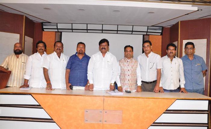 producers council,elections,press meet,details  ఎన్నికలు వద్దు..: ప్రతాని!