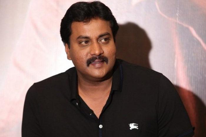 amar akbar antony,sunil,rumours,comedians meet,srinu vaitla  'అమర్ అక్బర్ ఆంటొని'పై అలిగాడా ఏంటి?