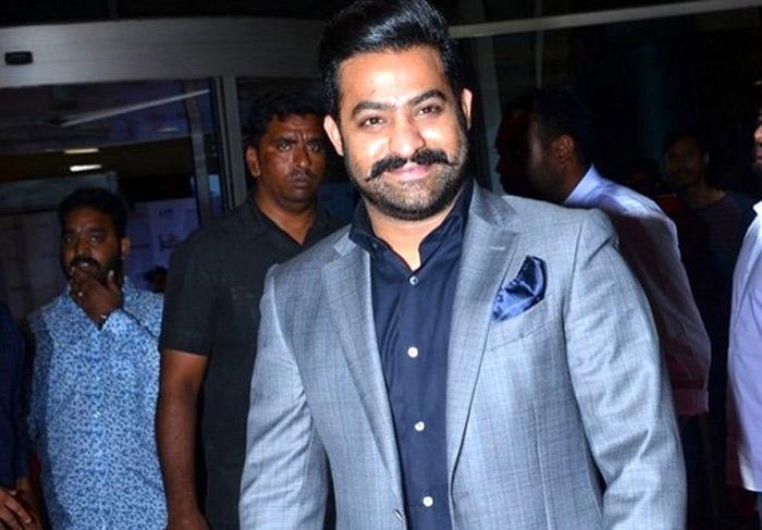 jr ntr,jio filmfare awards,janatha garage movie,jr ntr jio filmfare award  అబ్బా.. యంగ్టైగర్ ఫుల్స్వింగ్లో ఉన్నాడు..!