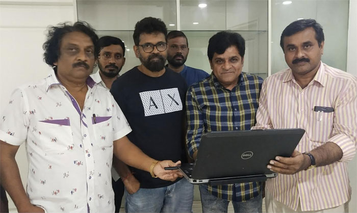 sukumar,pandugadi photo studio,teaser release,ali  'పండు గాడి ఫోటో..' టీజర్ సుకుమార్ చేతుల్లో..