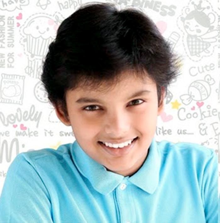 pawan kalyan,renu desai,pawan son akira nandan,marathi film,akira nandan  ఎంత ఎదిగిపోయావయ్యా.. ఓ లిటిల్ పవర్స్టార్!
