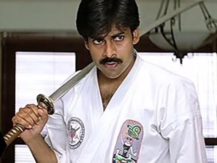 pawan kalyan,keerthy suresh,anu emmanuelle,director trivikram srinivas  తనదైన ట్రేడ్మార్క్ ఫైట్ చేస్తోన్న పవన్..!