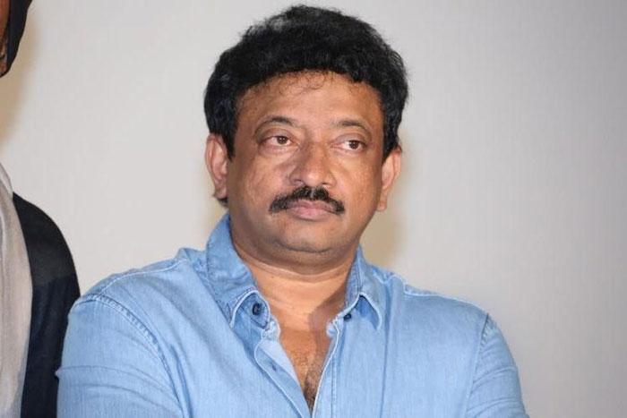 pam gopal varma,siva movie,puri jagannadh,working still,social media  ఆర్జీవీ 'శివ' సినిమాలో పూరీ జగన్.. గమనించారా!
