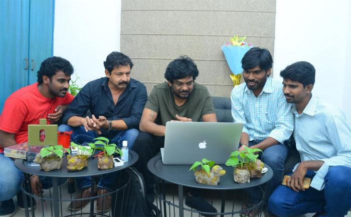 puri jagannadh,appudu ippudu,movie,teaser,released  పూరి వదిలిన 'అప్పుడు-ఇప్పుడు' మూవీ టీజర్